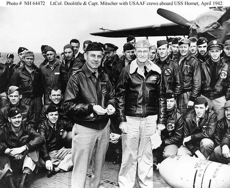 Doolittle s Mitcherem na palubě Hornetu