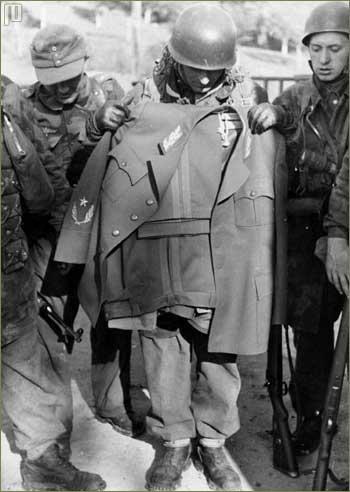 Zajatá Titova uniforma